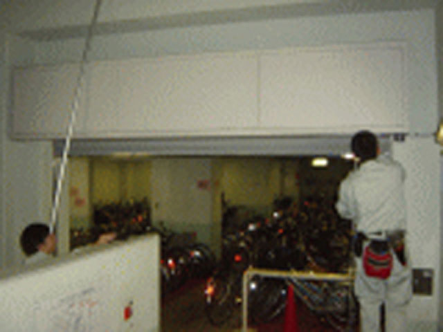 感知器取付後の試験風景