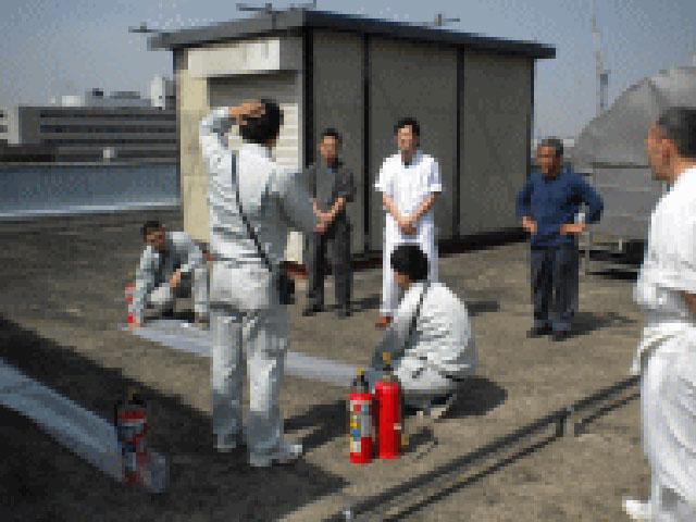 消火器具-消火器放射訓練