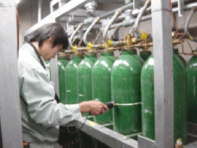 不活性ガス消火設備-貯蔵用容器検量点検